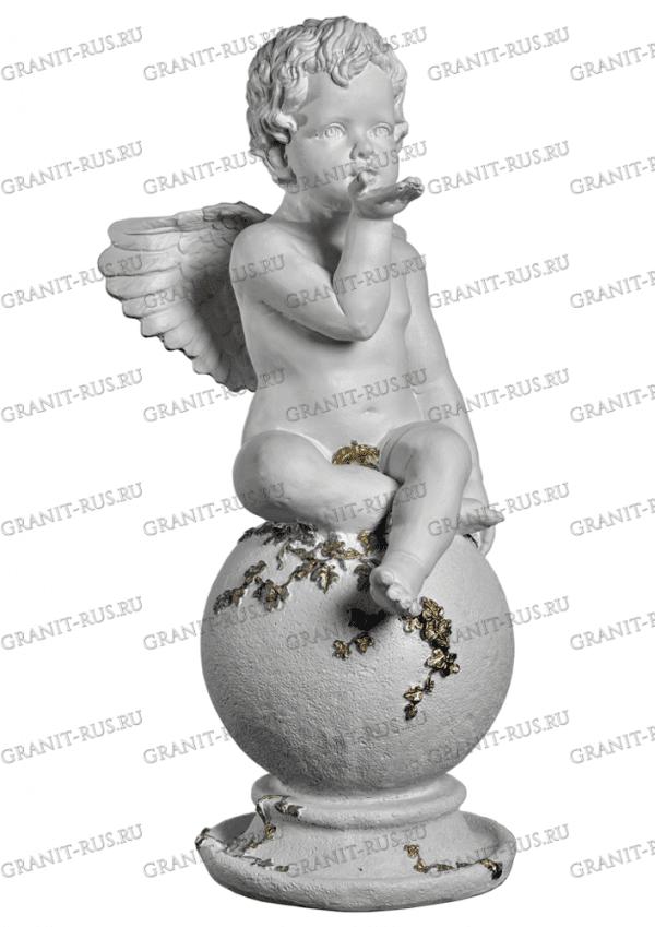 Скульптура из литьевого мрамора на могилу ангел на шаре