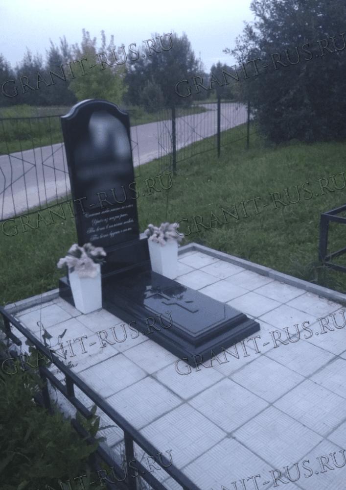памятник на могилу из литьевого мрамора заказать в Москве