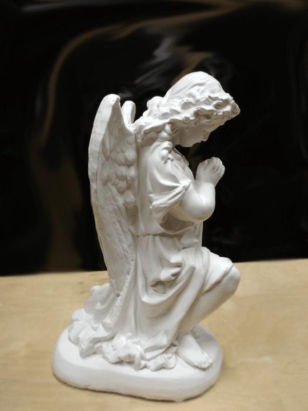 Скульптура из литьевого мрамора на могилу