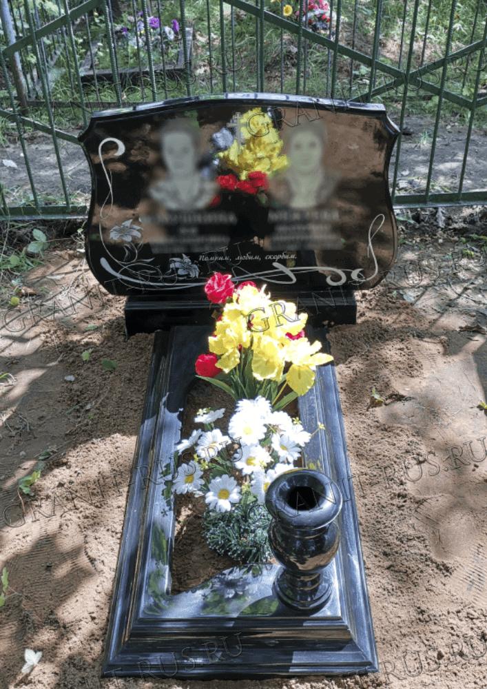 цветник открытый, памятник на могилу из литьевого мрамора заказать в Чехове