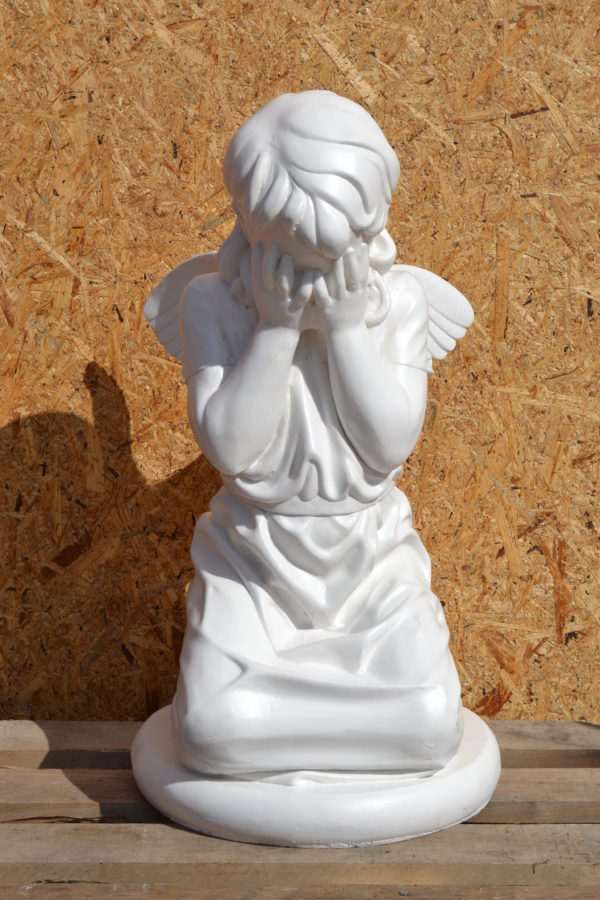 ангел плачущий
