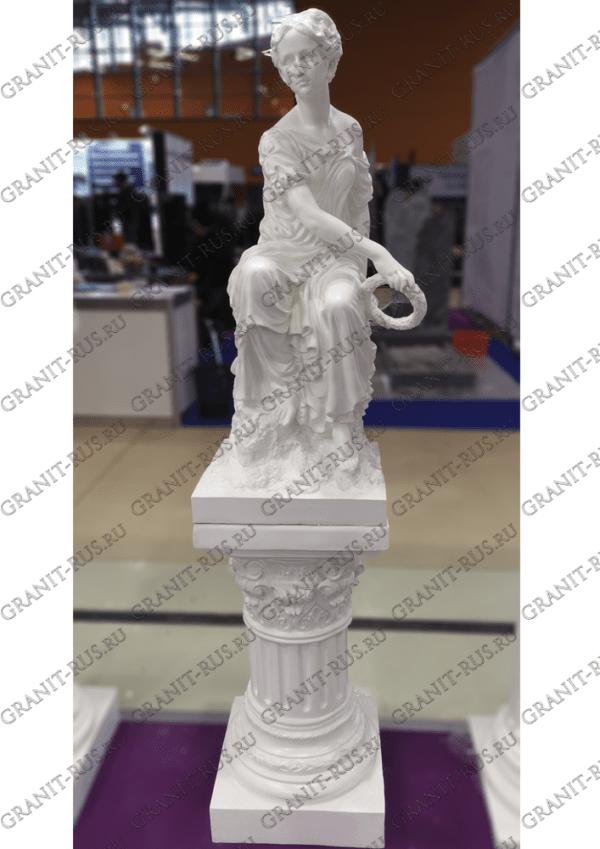 Скульптура с венком без крыльев